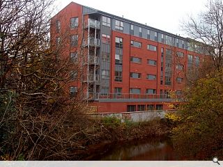 Riverfront Shawlands housing completes