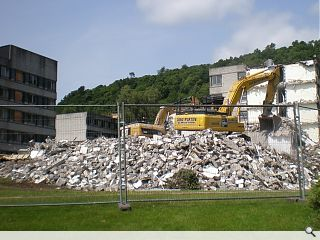 University of Stirling commence student residence demolition