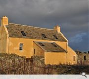 The Lairds Home dates from 1635