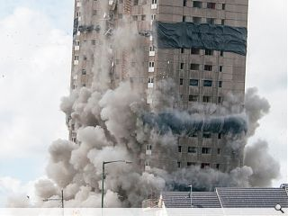 GHA conduct demolition of 25 storey Roystonhill tower block